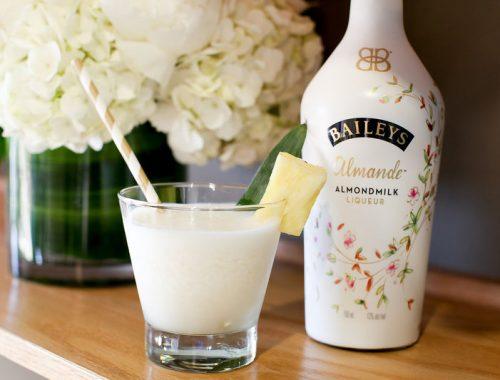 Baileys Almande Aloha cocktail drink